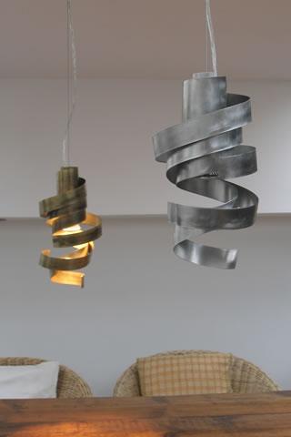 Hanglampen Design. Rvs Hanglamp En Moderne Lampen Boven De Tafel, In Een  Hal,