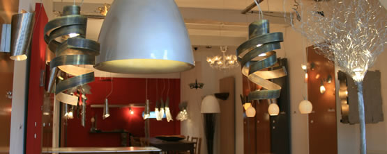 Looking for chandeliers, pendant lighting, floor lamps or wall lights? We offer in the shop and gallery in Amsterdam design lighting.